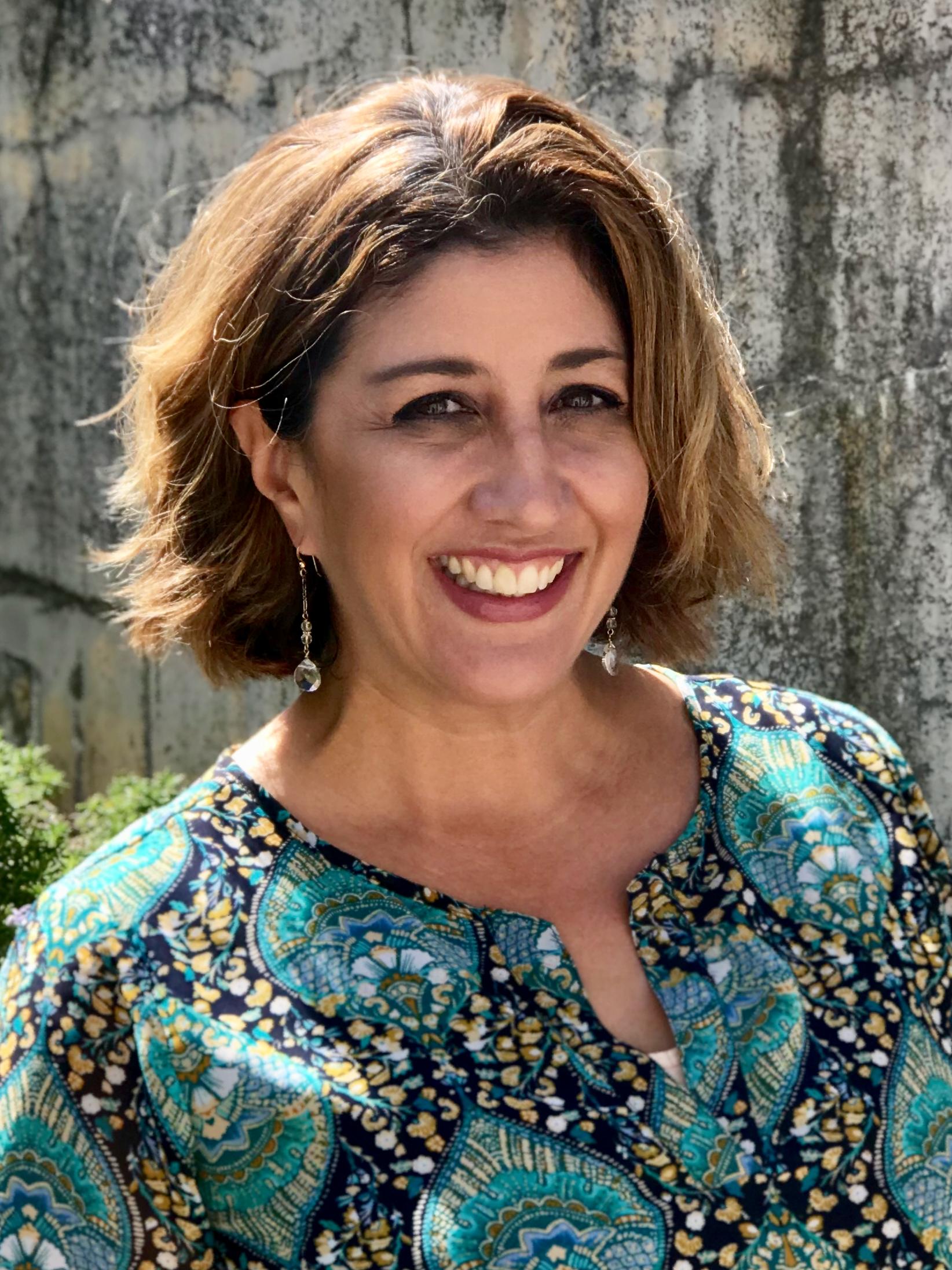 Lia Cabello